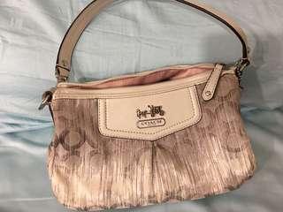 🚚 Original signature Coach handbag