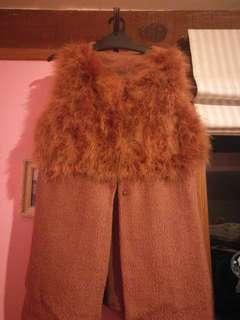 Rusty emu fur sleeveless coat