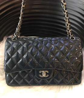 Pre-loved Chanel jumbo Navy patent SHW