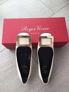 Authentic roger vivier white flats