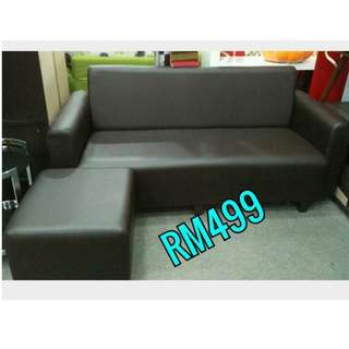 L-SHAPE PVC 3 SEATER