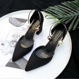 B77 heels mutiara