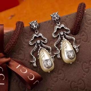 Gucci 貓珍珠耳環