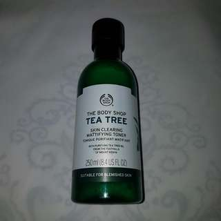 The Body Shop Tea Tree Skin Clearing Mattifying Toner (isi 70%)