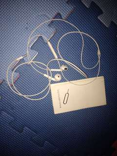 iPhone headset..free pang open nang sim card..