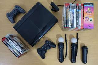 PlayStation 3 (PS3), 2 controllers, 2 PS Move, PS Navi, PS Eye, and 15 games