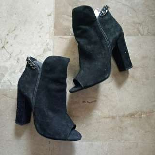 Open toe suede boots