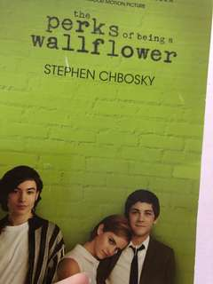 🚚 perks of being a wallflower book