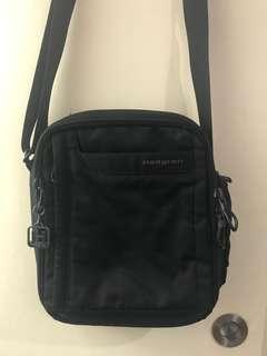 Hedgren sling/body bag