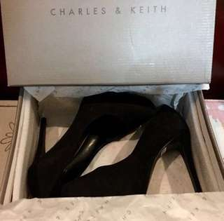Authentic Charles & Keith pumps