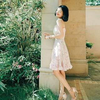 🚚 夏季顯瘦夢幻花色吊帶連衣裙 洋裝