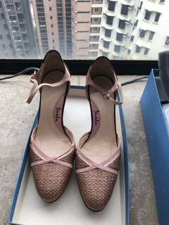 Pink high heels - near new