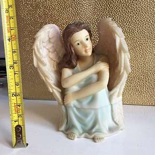 Beautiful Angel figurine with wishing stone