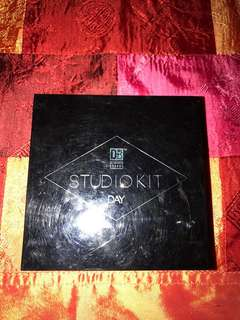 Eyeshadow and Lip Pallete Studio Kit