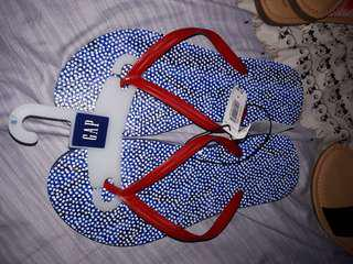 Authentic Gap flipflops