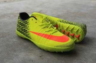 Sepatu nike futsal. Sepatu olah raga pria. Sepatu import
