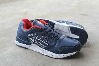 Sepatu sneakers pria. Sepatu Asick pria. Sepatu gaul