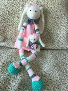 🚚 Crochet doll (with baby)