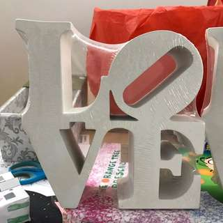 Chunky Bookend LOVE white Typo brand