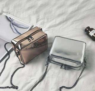 Silver sling bag 💡