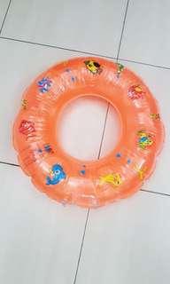 🚚 幼兒游泳圈
