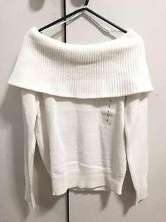 Uniqlo BRAND NEW Lambswool Blend Off Turtle Neck Sweater