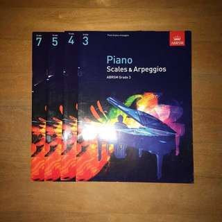 🚚 piano books