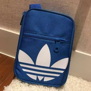 🚚 Adidas小包 側背包 斜背包