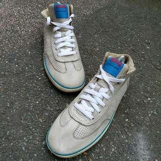 Sepatu camper pelotas