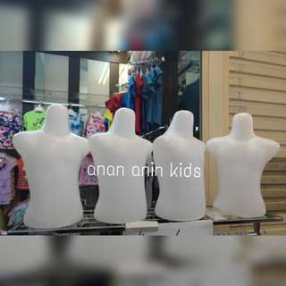 Patung Anak Setengah Badan