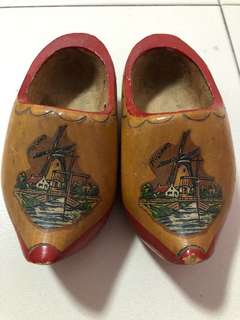 Display Wooden Dutch shoes