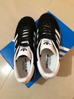 🚚 「adidas 愛迪達」Gazelle W 女鞋 愛迪達 麂皮 情侶鞋 黑 白