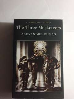 THE THREE MUSKETEERS CLASSICS BOOK