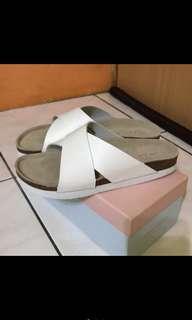 🚚 交叉皮革勃肯風鞋-日本🇯🇵購入-36、37腳皆可穿喔!