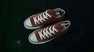 Converse Ox Maroon 100th Anniversary -------- Size : 7,5 / 41 --------- - New - Replace Box - Japan Market --------- Price : 550k
