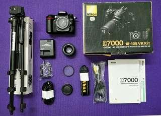 Nikon D7000 with Original Box