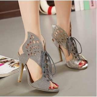 B77 heels kupu kupu