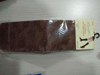 🚚 咖啡色暗色花紋長襪