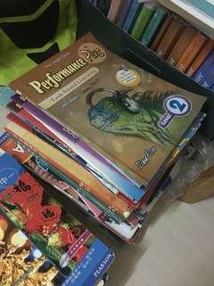本店有大量二手初中教科書📗歡迎各家長到本店查詢