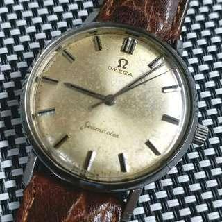 瑞士製Omega Seamaster古董錶,60年代,充滿歲月味道,原裝面無番寫,Cal.300上弦機芯,已抹油行走精神,塑膠上蓋,錶頭直徑34mm不連霸的,有意請pm