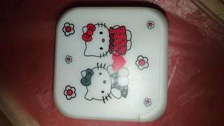 Jam kubus hello kitty