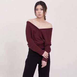 V Knitted Top - Maroon