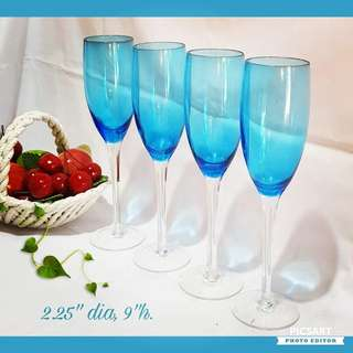 Elegant Blue Wine Glasses. Tall and Slim. Unused, Good Condition, no chip no crack. All 4pcs for $10 Clearance Offer! Sms 96337309.