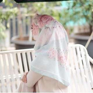 Shella Alaztha voal hijab