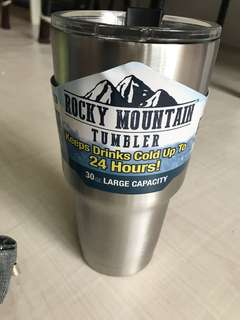 Keeps warm or keeps cold for 12-24 hours! Nice 30oz bpa free stainless tumbler