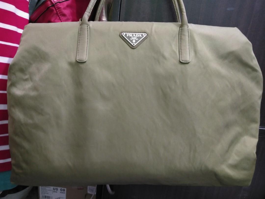 dc9eeb94f52f48 Authentic Prada Tessuto shopping tote bag, Women's Fashion, Bags ...