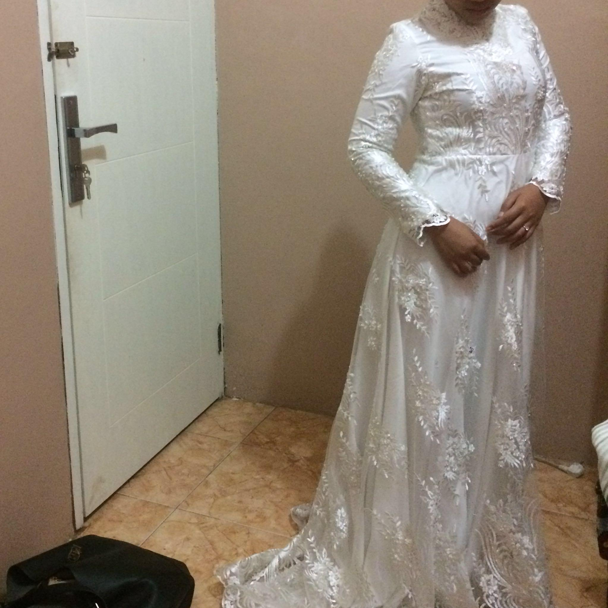Gaun Akad Nikah Jait Full Payet Tidak Jadi Di Pakai Women S