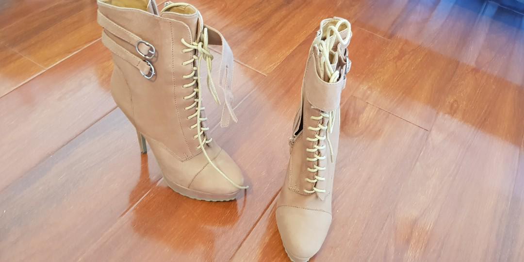 Tony bianco tan boots size 8
