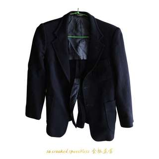 🚚 西裝外套/筆挺材質/內有破損便宜賣/外面完好如初/燕尾設計