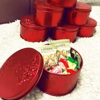 🚚 《婚禮小物》中國風雕花喜糖鐵盒(共17個)
